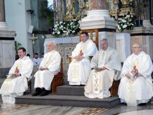 Don Silvano Caccia presiede una funzione ecclesiale